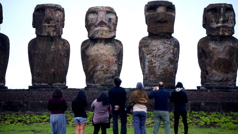 easter island moai photographers