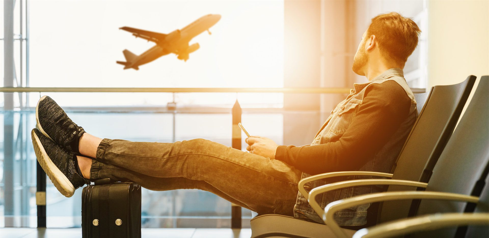 traveller in airport image
