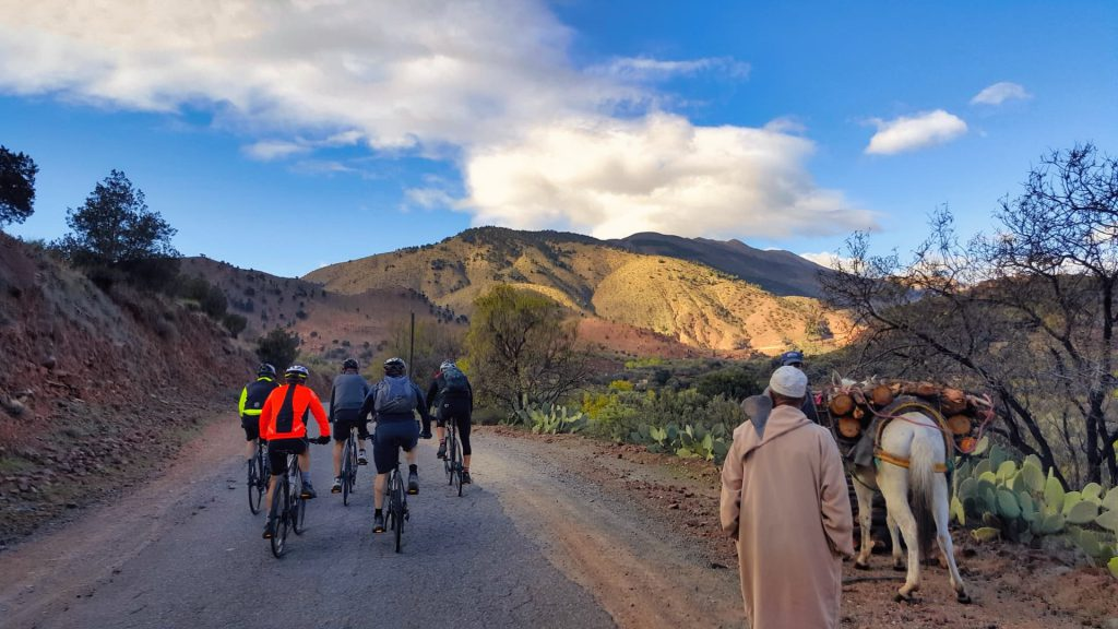 Cycle Morocco early start past the locals