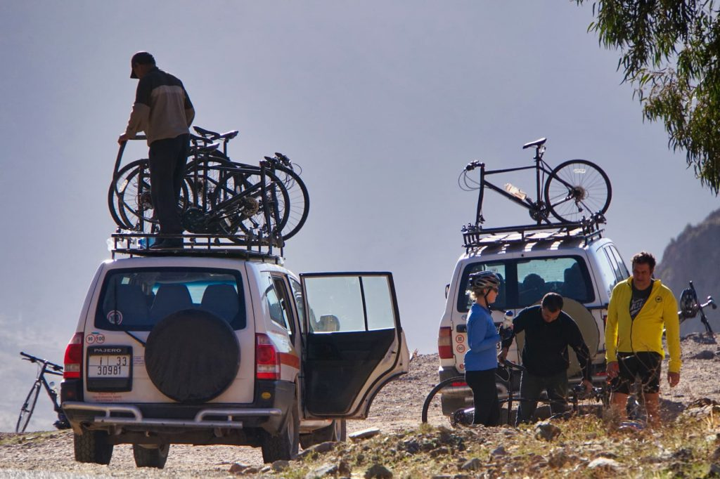 Cycle Morocco pit stop