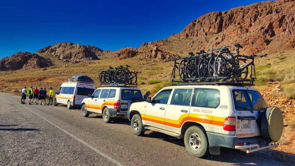Cycle Morocco support vehicles