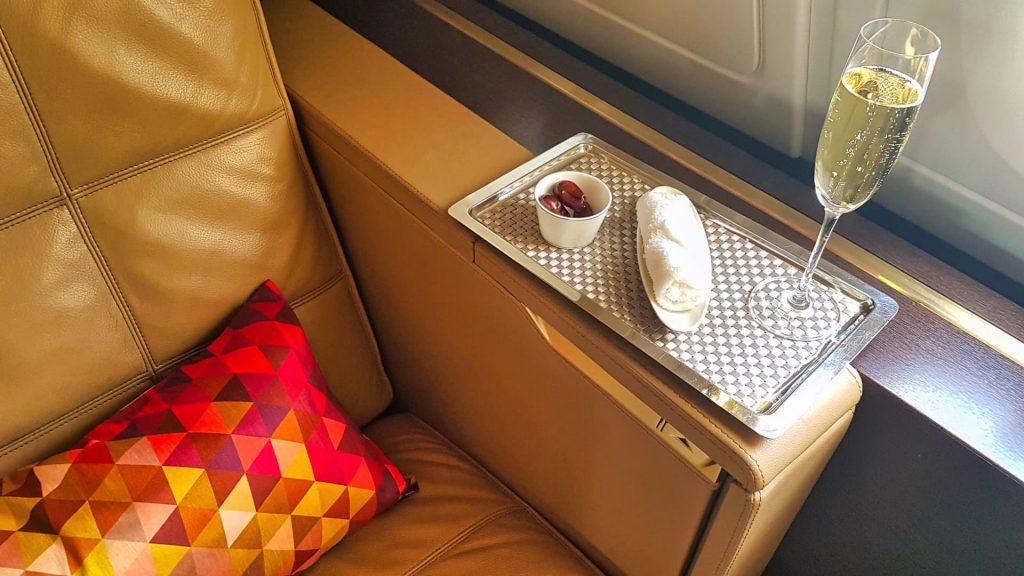 Etihad First Class Apartment Champagne