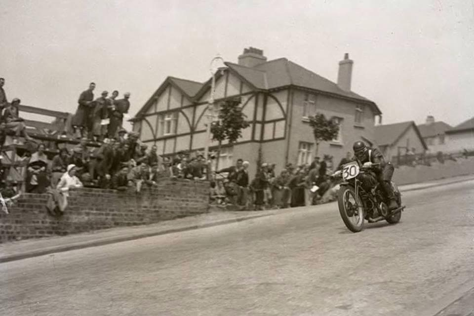 Ride the TT Circuit Bray Hill 1935