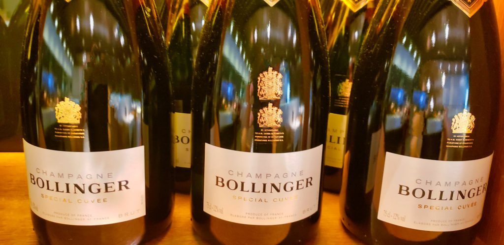 Lufthansa First Class Terminal Bollinger Champagne